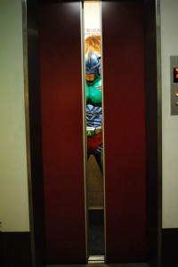エレベーター2小